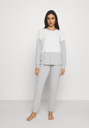 Pyjamas - grey