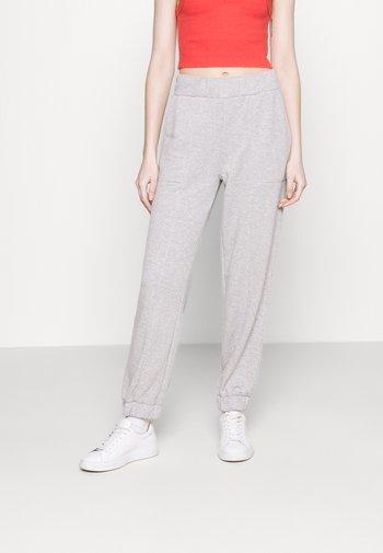 PCCOOLIO PANTS - Pantalones deportivos - light grey melange