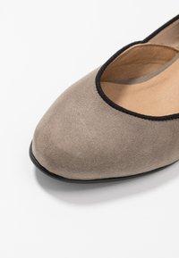 NAE Vegan Shoes - LEEN - Ballerinat nilkkaremmillä - grey - 6