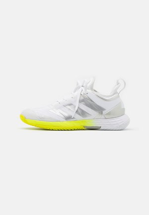 ADIZERO UBERSONIC 4 - Chaussures de tennis toutes surfaces - footwear white/silver metallic/solar yellow