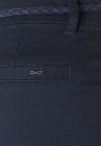 ONLY - ONLEVELYN ANKLE PANT  - Chinos - navy blazer - 5