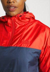 The North Face - CYCLONE - Veste coupe-vent - horizon red/vintageindigo - 4