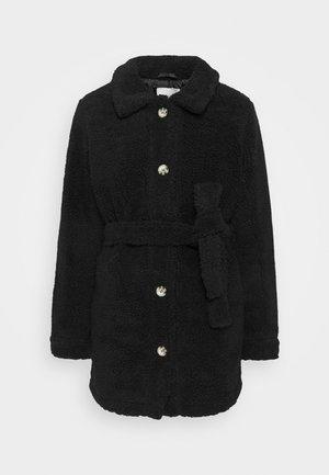 JDYSTELLA BELT JACKET - Klasický kabát - black