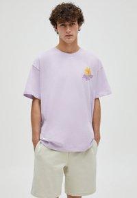 PULL&BEAR - Print T-shirt - purple - 0
