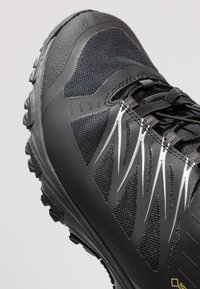 The North Face - FASTLACE GTX - Hiking shoes - black/metallic - 5