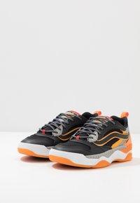 Vans - BRUX  - Skate shoes - black/drizzle - 2