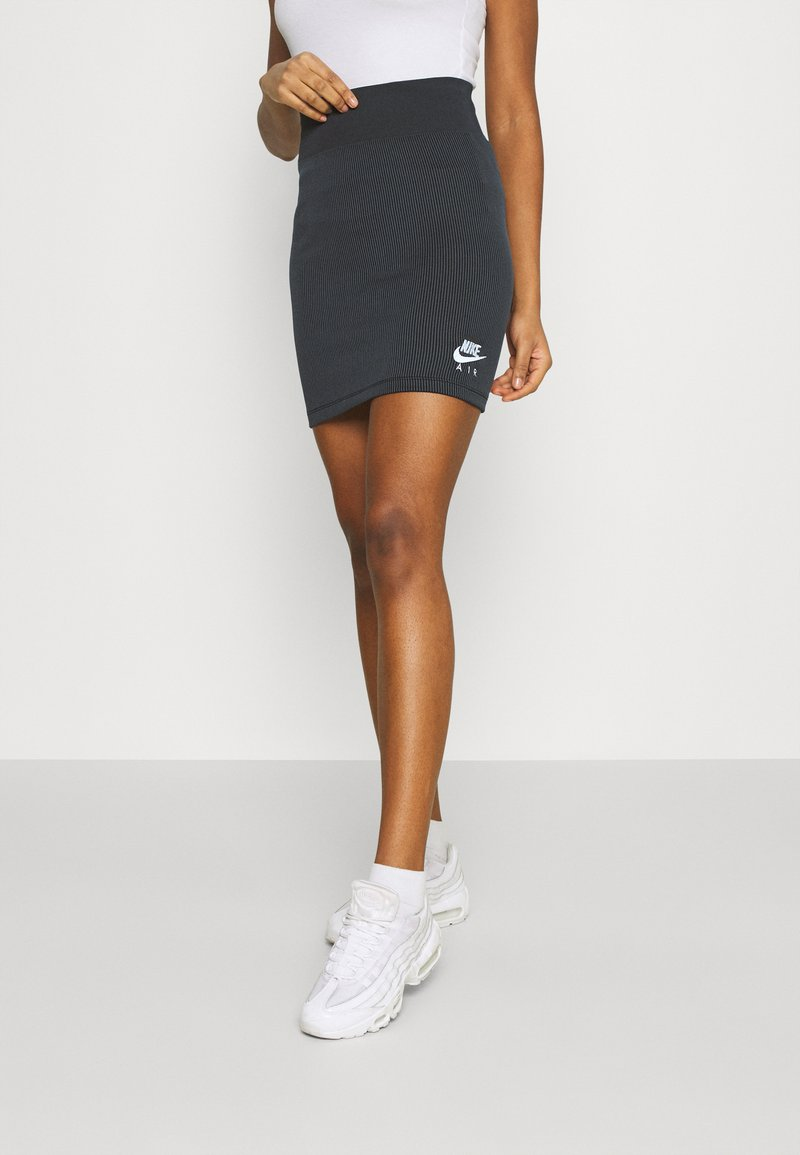Nike Sportswear - AIR SKIRT - Falda de tubo - black/white