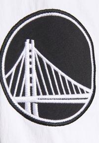 New Era - NBA EAST WEST COAST VARSITY JACKET - Club wear - black - 5