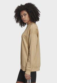 adidas Originals - TREFOIL ESSENTIALS SWEATSHIRT - Sweatshirt - beige - 2