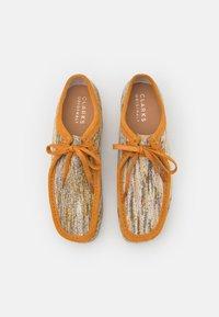 Clarks Originals - WALLABEE - Casual lace-ups - sand/natural - 3