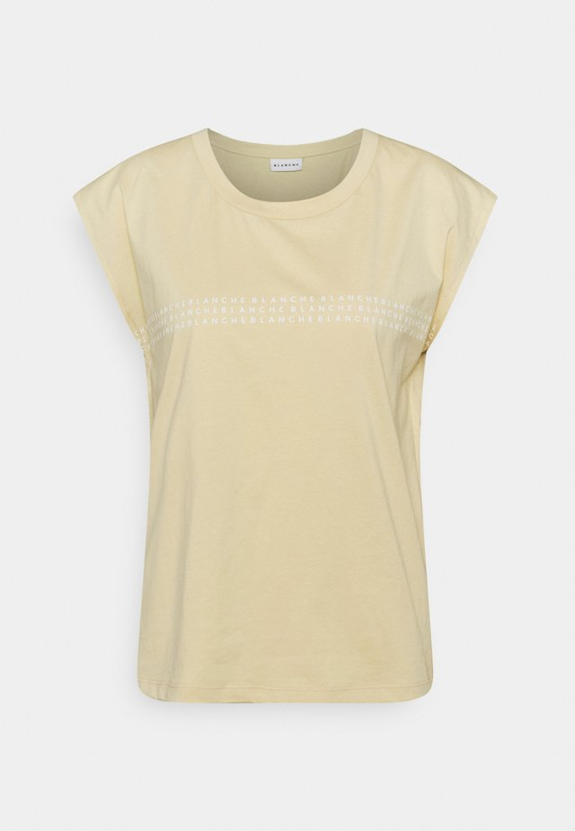 MAIN LIGHT  - T-shirt imprimé - marzipan