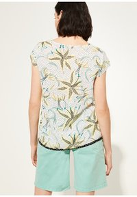 comma casual identity - KURZARM - Blouse - white flowers & dots - 2