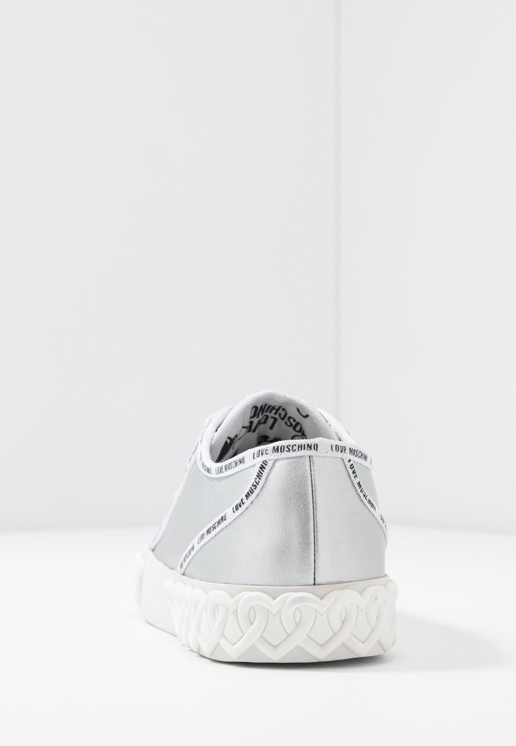 Versace Jeans Couture Baskets basses argento ZALANDO.FR