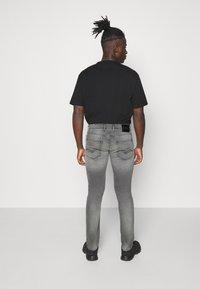 Replay - GROVER - Jeans Skinny Fit - medium grey - 2