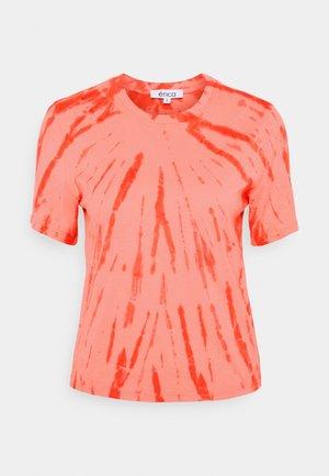 EVIE - Print T-shirt - coral