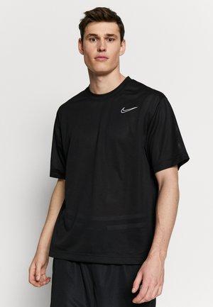 DRY CLASSIC - Print T-shirt - black/white