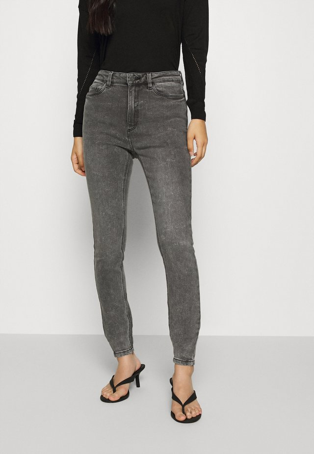 NMCALLIE CHIC - Jeans Skinny Fit - medium grey denim