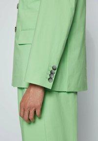 BOSS - 2 PIECE SET - Suit - open green - 6