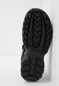 Fila - DISRUPTOR  - Sandales de randonnée - black - 4