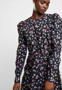 Custommade - TARRA - Robe d'été - anthracite black - 4