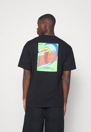 KEEP IT CLEAN TEE - Print T-shirt - black