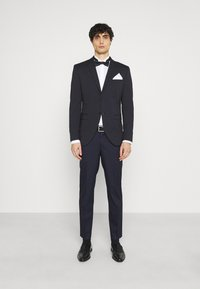 Selected Homme - SLHSLIM MYLOLOGAN CROP SUIT - Suit - navy blazer - 1