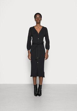 MARCEY DRESS TALL - Pletené šaty - black