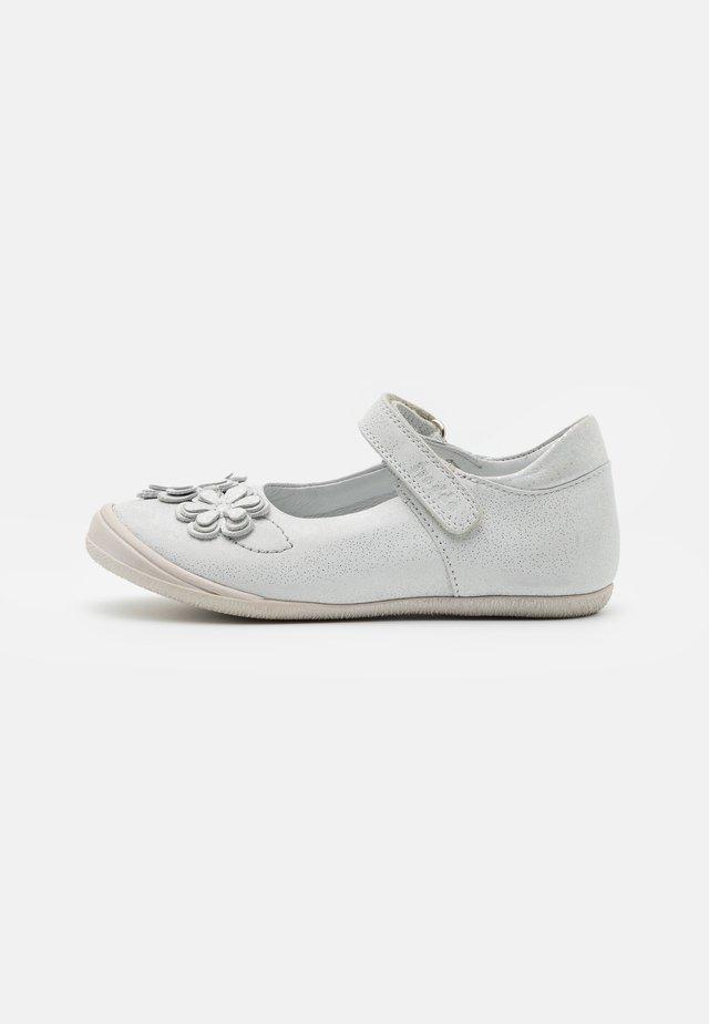 ANA - Ankle strap ballet pumps - white
