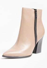 Guess - JAKIRA - Classic ankle boots - beige - 2