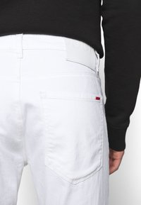 HUGO - Jeans slim fit - white - 3