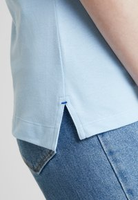 Tommy Hilfiger - NEW CHIARA - Polo shirt - blue - 4
