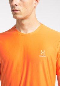 Haglöfs - Print T-shirt - flame orange - 3