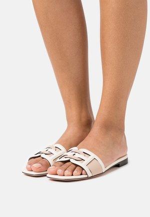 PEONI  - Pantofle - bone