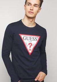 Guess - ORIGINAL LOGO - Maglietta a manica lunga - blue navy - 3