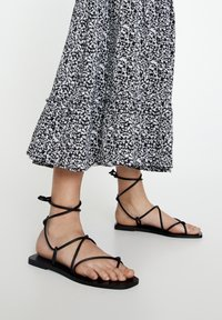 PULL&BEAR - Maxi skirt - black - 5
