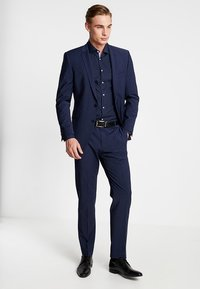 Tommy Hilfiger Tailored - CLASSIC SLIM  - Formal shirt - blue