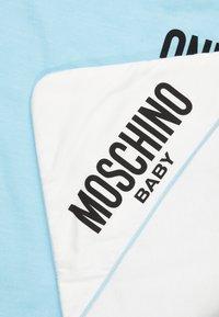 MOSCHINO - BLANKET UNISEX - Lekematte - baby sky blue melange - 2