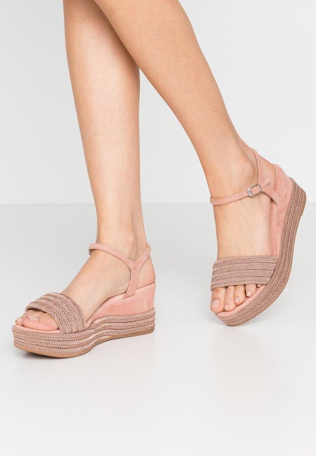 KATIA - Sandali con plateau - rosa
