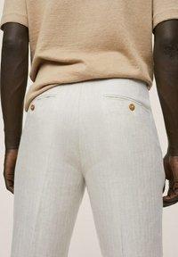Mango - Oblekové kalhoty - beige - 3