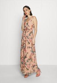 Vero Moda - VMSUNILLA DRESS - Długa sukienka - mahogany - 1