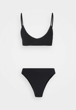 SEAMFREE SET - Slip - black