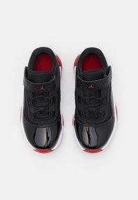 Jordan - 11 CMFT LOW UNISEX - Basketball shoes - black/white/gym red - 3