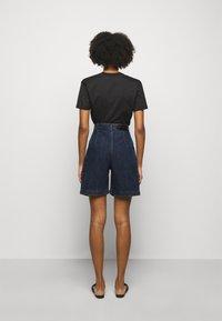 Alberta Ferretti - TROUSERS - Short en jean - blue - 2