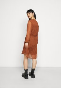 Selected Femme Petite - SLFMARIA DOT DAMINA DRESS - Shirt dress - ginger bread - 2