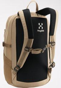 Haglöfs - Hiking rucksack - sand/flame orange - 2