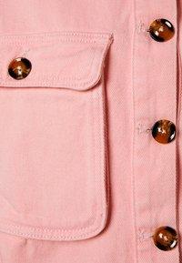 Missguided Petite - BELLOW POCKET BOXY SHACKET - Denim jacket - pink - 2