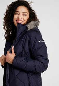 Columbia - ICY HEIGHTS MID LENGTH JACKET - Down coat - dark nocturnal - 4