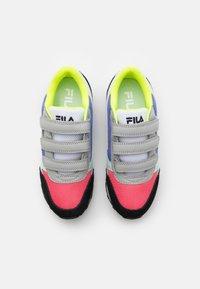 Fila - ORBIT - Sneakersy niskie - black/calypso coral - 3