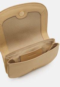 See by Chloé - Hana Evenning bag - Across body bag - seed brown - 5