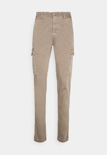 JAAN - Cargo trousers - sand